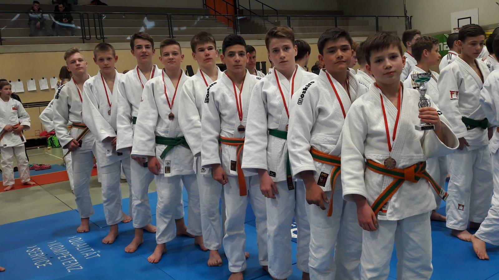 JCL Nachwuchs erfolgreich beim internationalen Turnier in Österreich